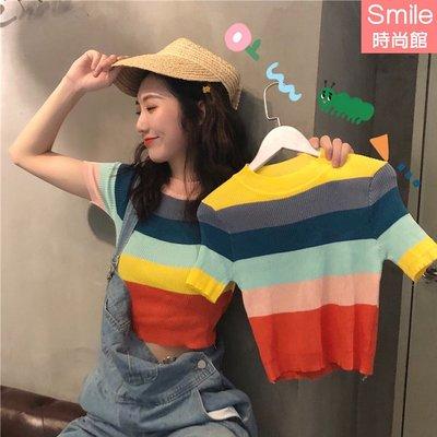 【V9249】SMILE-柔美微薰.復古彩虹條紋圓領短款針織短袖上衣