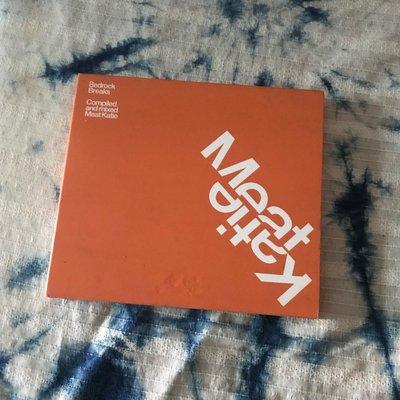 ~春庄生活美學小舖~2手2CD     BEDROCK BREAKS/MEAT KATIE 雙CD版