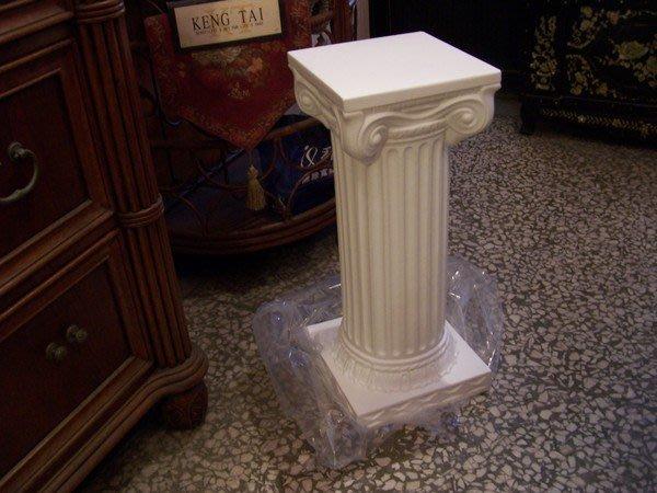 多功能展示柱~羅馬柱~ PE材質櫥窗展示專用. 展覽佈置 婚禮節慶.色澤白色,高度64cm