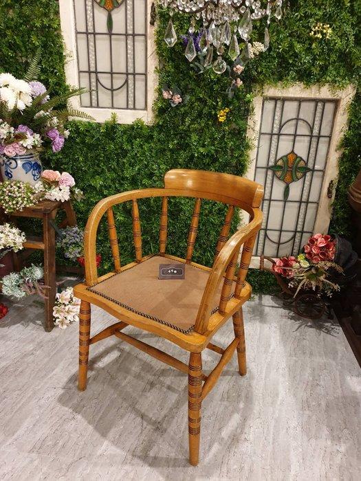 【卡卡頌 歐洲跳蚤市場/歐洲古董】英國老件  曲木  老橡木雕刻  單椅  餐椅   書桌椅ch0360