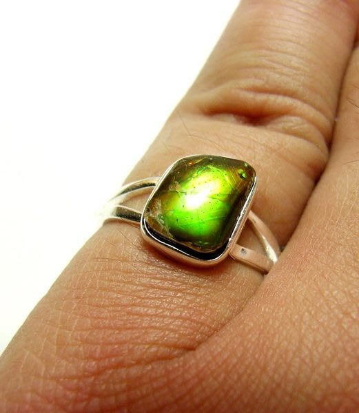 小風鈴~天然極品925銀七彩斑彩石戒指(重2.0g)又名~發達石.麒麟石(帶綠光)活動式戒圍.