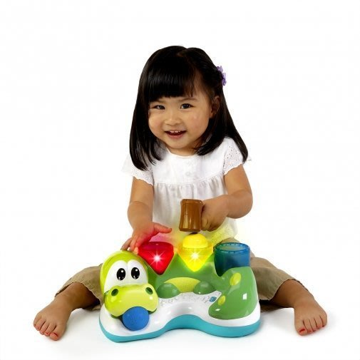 @企鵝寶貝二館@ Kids II-OBALL-來玩球吧-繽紛小鱷魚打打樂