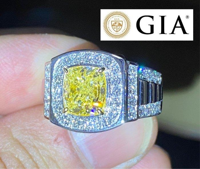 已賣林哥0226【台北周先生】天然Fancy黃色鑽石 3.01克拉 罕見巨大 VS1 Even分布 18K金美戒