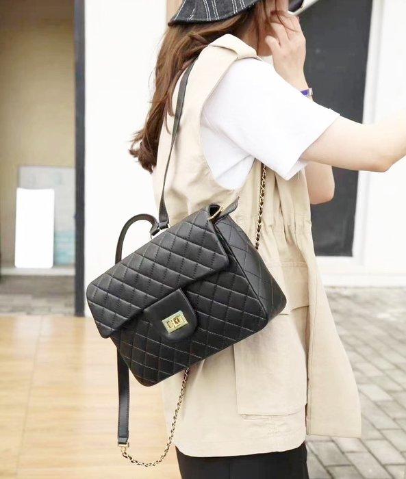 預購包款,請先詢問!真皮 羊皮 28cm 小香後背包 - 黑色 (刷卡/超取付款)