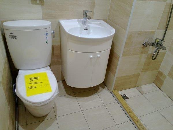 TOTO馬桶CW260+緩降蓋TC301+臉盆LW250+無鉛龍頭TWL372+250專用浴櫃