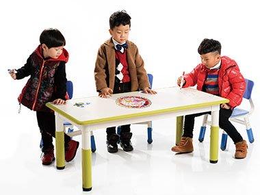 兒童長方桌(可調整高度)