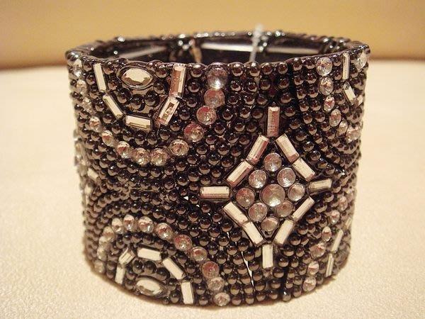 國外帶回,全新FOREVER 21 高質感復古黑銀閃鑽造型手環,低價起標無底價!本商品免運費!