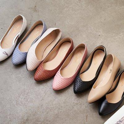 慢四步製作所尖頭鞋。波波娜拉Bubble Nara。人字修飾V口設計 DA202