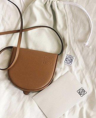 《 限時代購商品》   Loewe heel bag (caramel) 迷你包