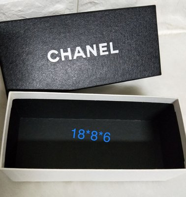 Chanel眼鏡盒