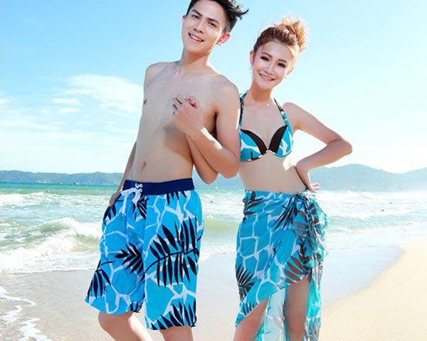 5Cgo【鴿樓】會員有優惠14919318428 沙灘寵兒韓版新款椰樹沙灘褲情侶裝泳衣遊泳褲蜜月度假情侶套裝