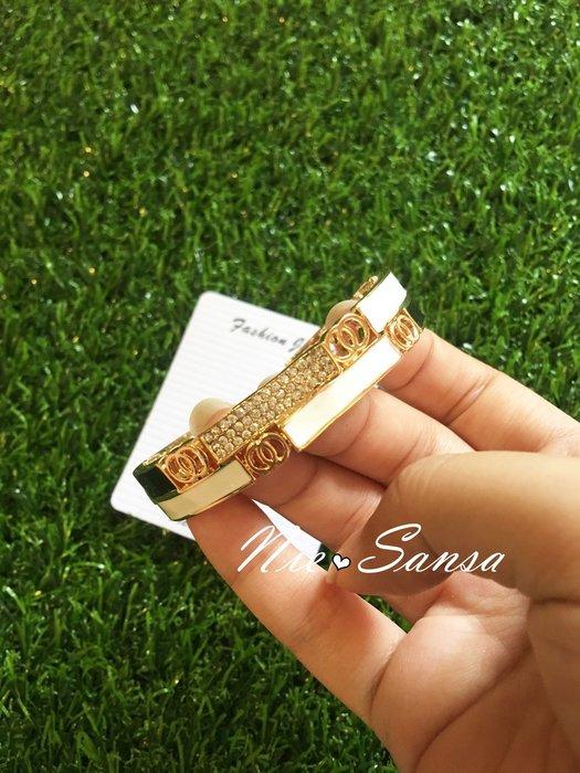 Nie Sansa 現貨 個性風時尚造型水鑽配色手環(有扣環開關)