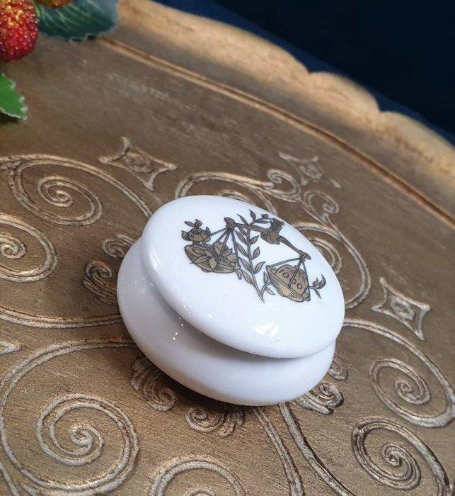 【卡卡頌 歐洲古董】🌹法國 LIMOGES  古典 公義秤  瓷盒 首飾盒  珠寶盒  (老件未用) p1811 ✬