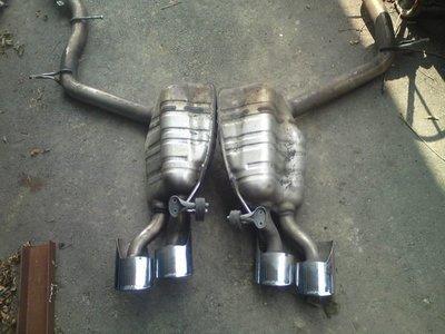 BENZ W211 E55AMG排氣管出售 另有W204 C63AMG原廠的