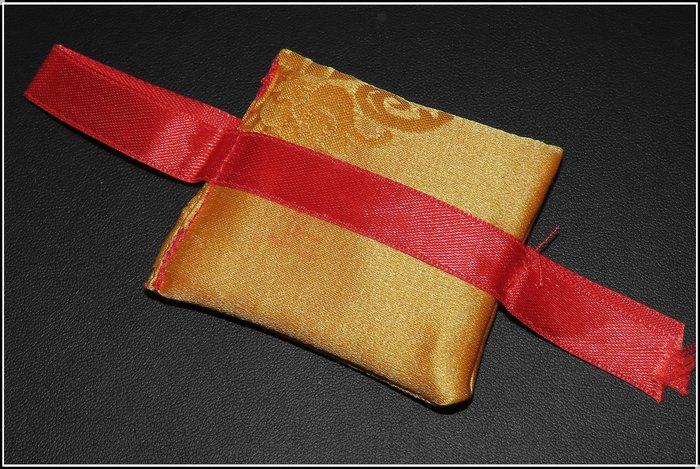 【雅之賞|藏傳|佛教文物】西藏甘丹寺綠度母避免年月災害護身符 佑保平安~Q1493