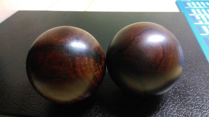 酸枝木 貢珠 公母珠 健康球 一對2顆  (特賣品)  A12