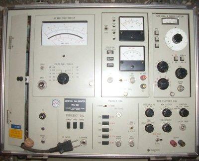 原價15萬, 手提箱綜合儀器Meguro RF電子電壓表Wow Flutter & Mark_ AM FM OSC產生器