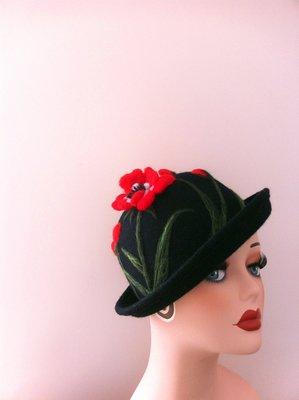 【獨立原創】手工訂製!非常神秘的女子。有毒的紅罌粟。黑色,很立體,手作羊毛氈捲邊圓帽+禮帽+圓頂帽
