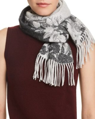 C by Bloomingdale's Blurred Floral Cashmere Scarf  2/28止