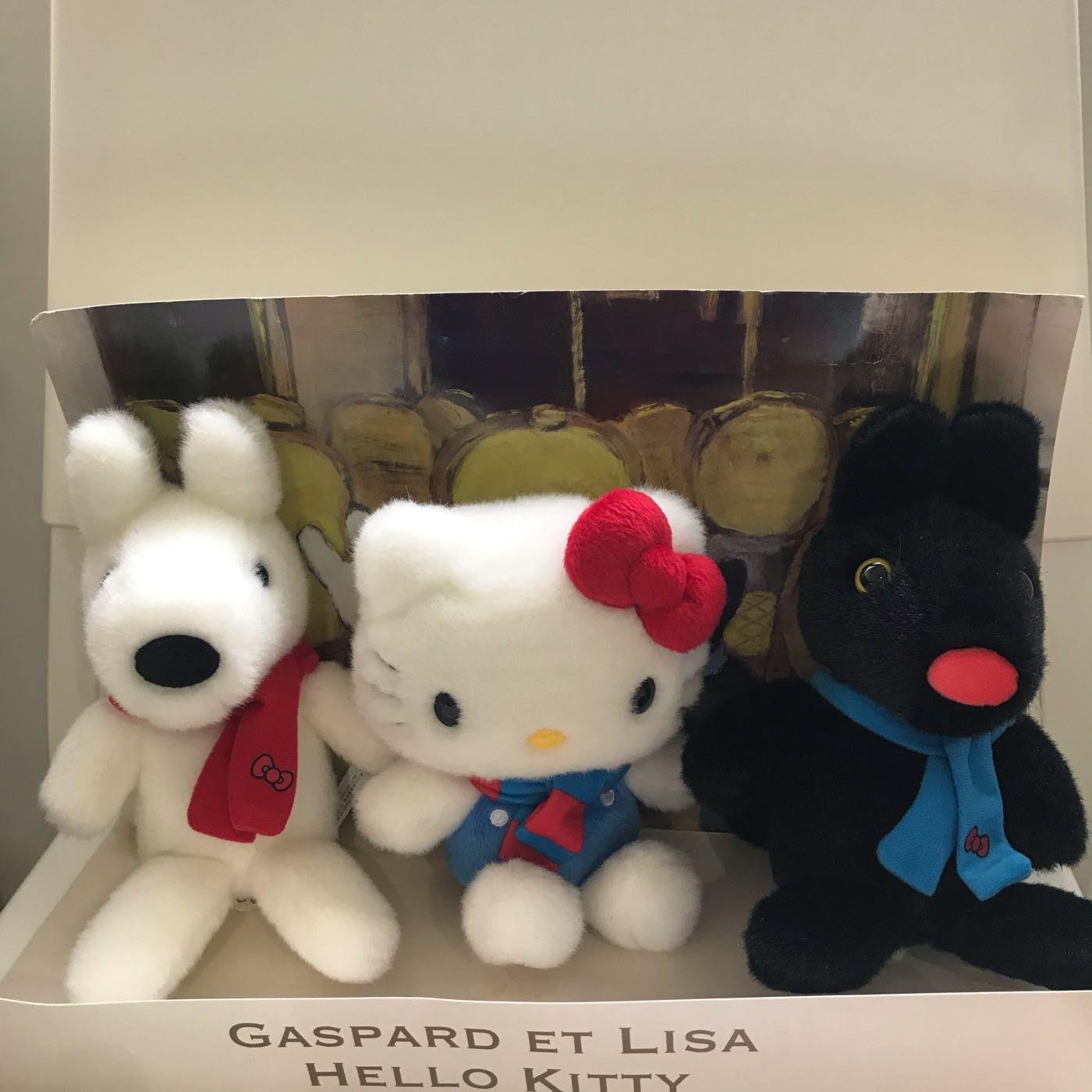 Gaspard et Lisa Hello kitty 娃娃  麗莎和卡斯柏 全新 不拆售