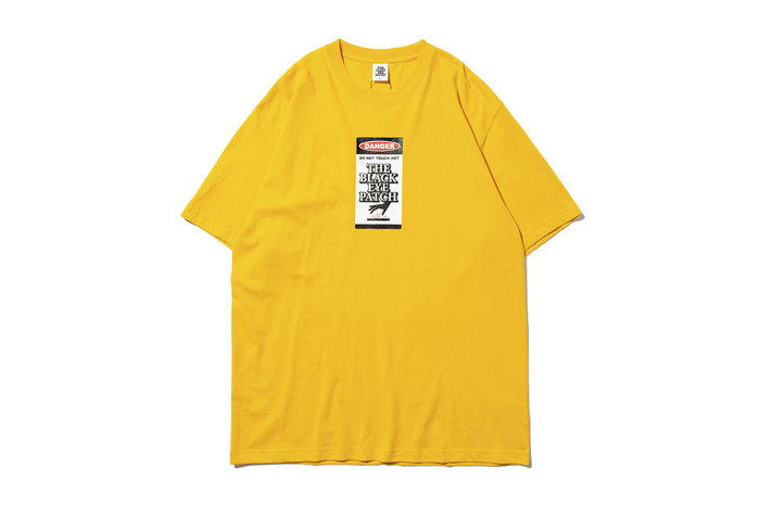"[ LAB Taipei ] BlackEyePatch ""DAGER HOT LABEL TEE"" (Yellow)"
