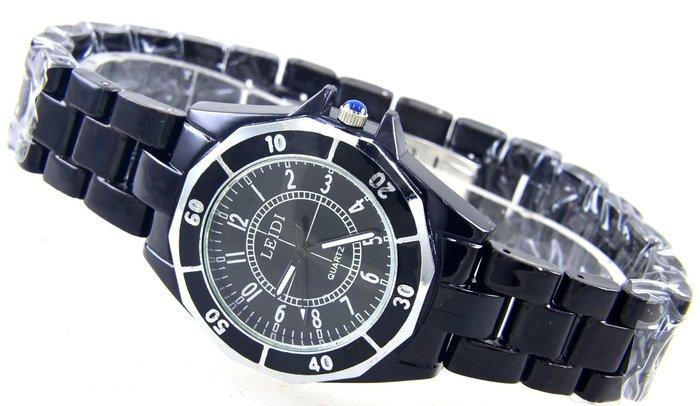 (二九一元起標不流標)黑色類似陶瓷錶徑3.7公分手錶(限量運動水鬼款式軍錶) ........