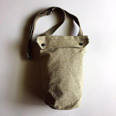 國外帶回帆布軍用側背桶包(1968)(已售出)