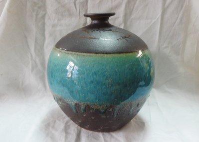 黑色小館(旗7)~~~釉魚陶器 陶瓶