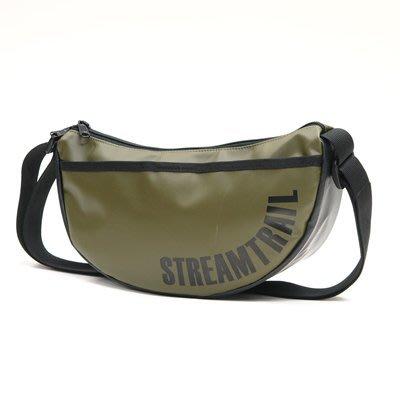 日本Stream Trail戶外防水包-Moon 時尚休閒側背包 月亮包、彎月肩背包 水餃包