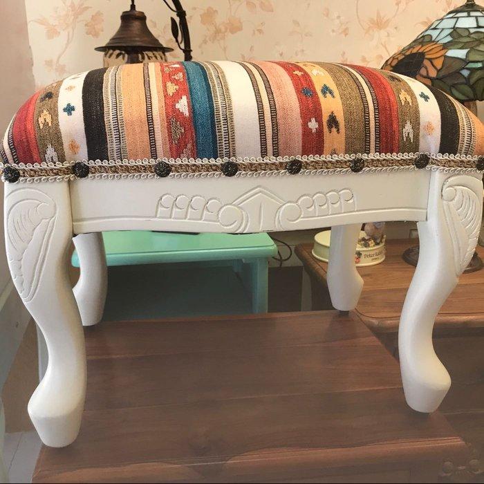 桃花心木雕刻小椅