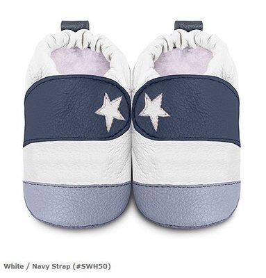 【愛寶貝】英國 shooshoos 健康無毒真皮手工學步鞋/嬰兒鞋/室內保暖鞋_白色/海軍藍小星星 (公司貨)