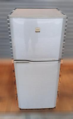 二手家具推薦 樂居二手家具館 RE1004EJJ 東芝TOSHIBA雙門小冰箱 中古冰箱 二手家電買賣 全新中古傢俱家電