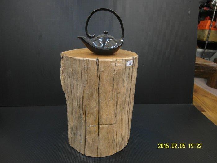 【 檜人檜語 】楠木 超風化藝術 花檯 1