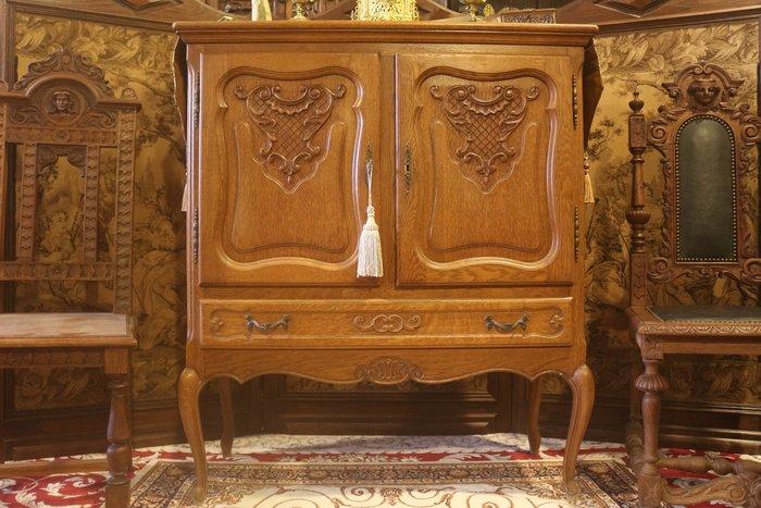 【家與收藏】超值賠售特價稀有珍藏歐洲百年古董英國19世紀古典精緻手工雕刻花卉邊櫃/置物櫃
