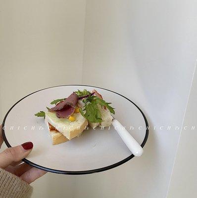 「米菲小鋪」 CHICHI'S 黑色描邊簡約式純色陶瓷盤子西餐居家用平盤F8J5