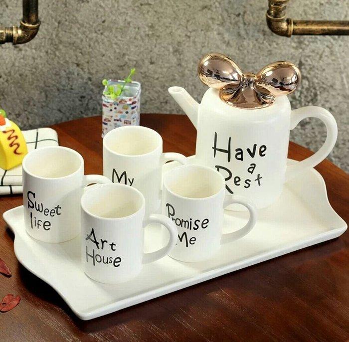 蘇菲亞精品傢飾~ 陶瓷金色蝴蝶結白色茶壺/花茶壺/杯壺陶瓷托盤禮盒組
