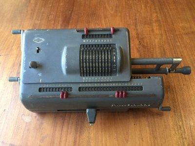日本 NIPPON CALCULATING  手搖機械式 老計算機