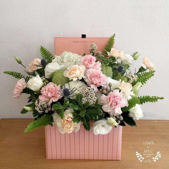 M17。期間限定。康乃馨禮盒花。粉色系。喬遷。展覽。開幕。Flower&House