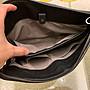 BOTTEGA VENETA 公事包、手拿包、黑橘色、上海BV專櫃購得、9.99999成新、保證正品、含保證卡、便宜賣、只賣現金不接受任何換貨~此顏色很ㄏㄧㄠˊ