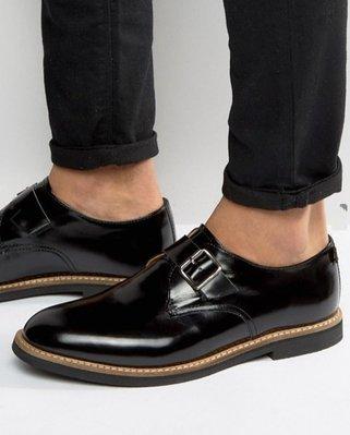 ◎美國代買◎ASOS雙色縫製鞋底搭配素面皮革單皮扣鞋面圓楦頭英倫紳士風素面鞋帶皮鞋~婚.晚宴party款~大尺碼
