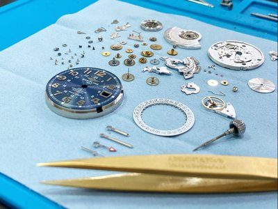 Breitling  百年靈【專業鐘錶維修 保養 】 機械錶 石英錶 勞力士 各國名錶 維修保養  (依圖報價)