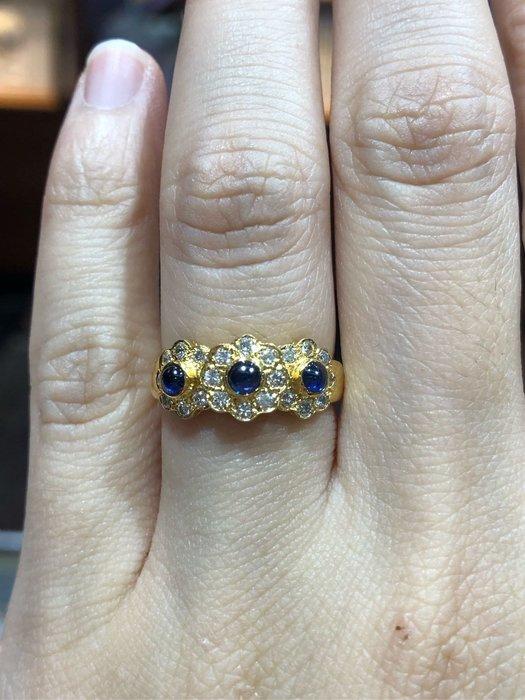 天然藍寶石鑽石戒指,搭配超白鑽石,歐美風格設計款式,超值優惠現金出清價13800,只有一個要買要快