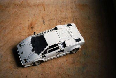 挖你老物《 義大利製 Polistil 1:18 藍寶堅尼 Lamborghini Countach 模型車》擺飾