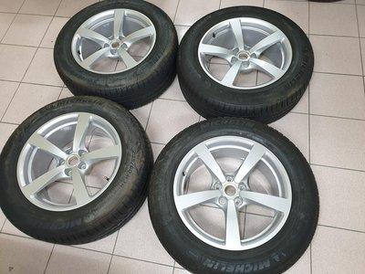 Porsche Macan 新車原廠18吋鋁圈+胎