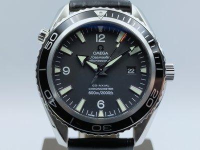 【發條盒子A2500】OMEGA 歐米茄 海馬系列 2500 同軸擒縱 45MM大錶徑 經典皮帶男錶