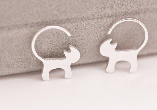 100%Boutique簡約可愛s925纯银猫咪耳環