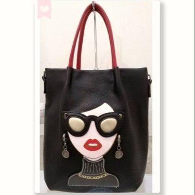 時尚女皇圖騰手提包,肩背斜肩包,黑色/紅色可選!
