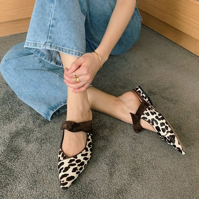 『Alice❤愛麗絲』夏季新款單鞋粗跟包頭拖鞋女外穿豹紋絨面穆勒鞋尖頭時裝涼鞋