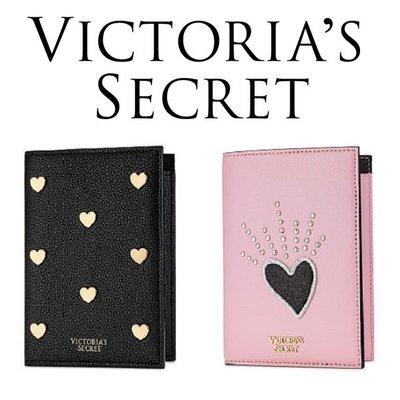 【菲菲美國舖】甜美愛心。現貨~* 美國Victorias Secret *~精美禮物❤專櫃真品多夾層時尚護照夾