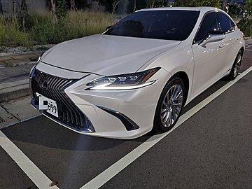 2020 LEXUS ES300h 旗艦版 僅跑1.3萬 保證實車實價 總代理